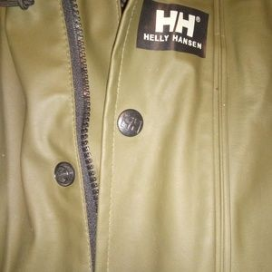 helly hansen moss rain jacket